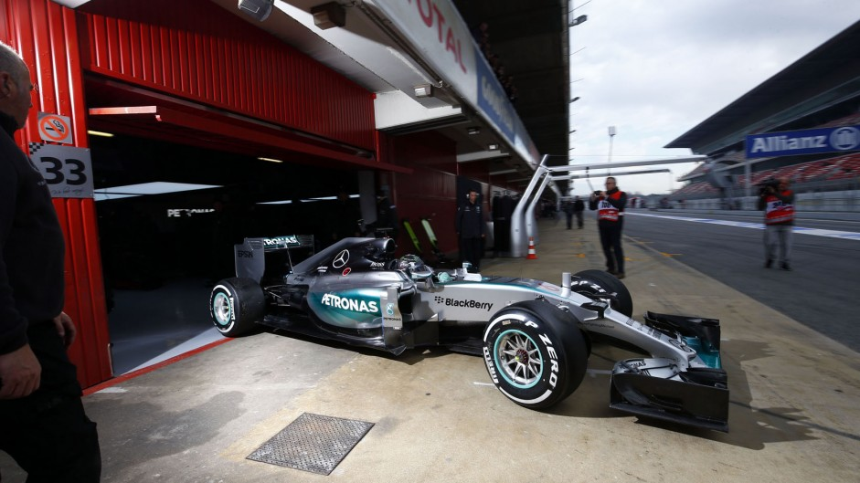Mercedes expect better reliability from W06