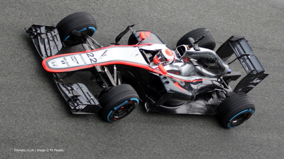 Fault ends McLaren's fifth test day after 21 laps