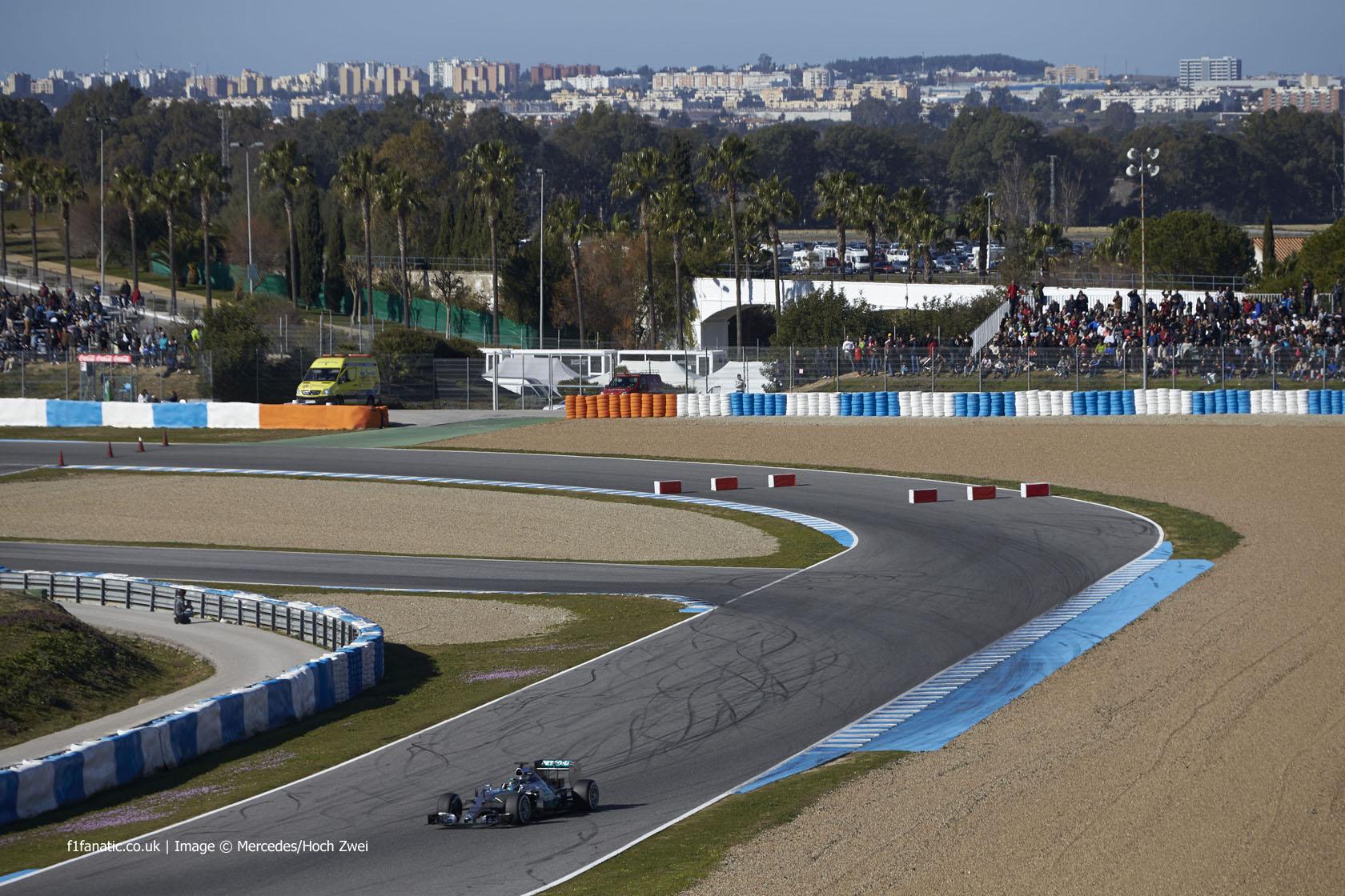 Nico rosberg mercedes circuito de jerez 2015 f1 fanatic for Puerta 3 circuito jerez
