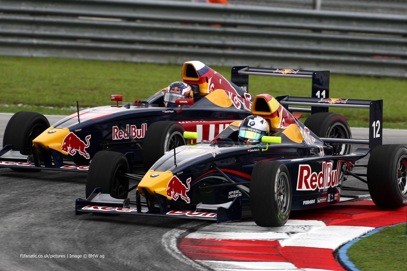 Carlos Sainz Jnr, Daniil Kvyat, Formula BMW Pacific, EuroInternational, Sepang, 2010