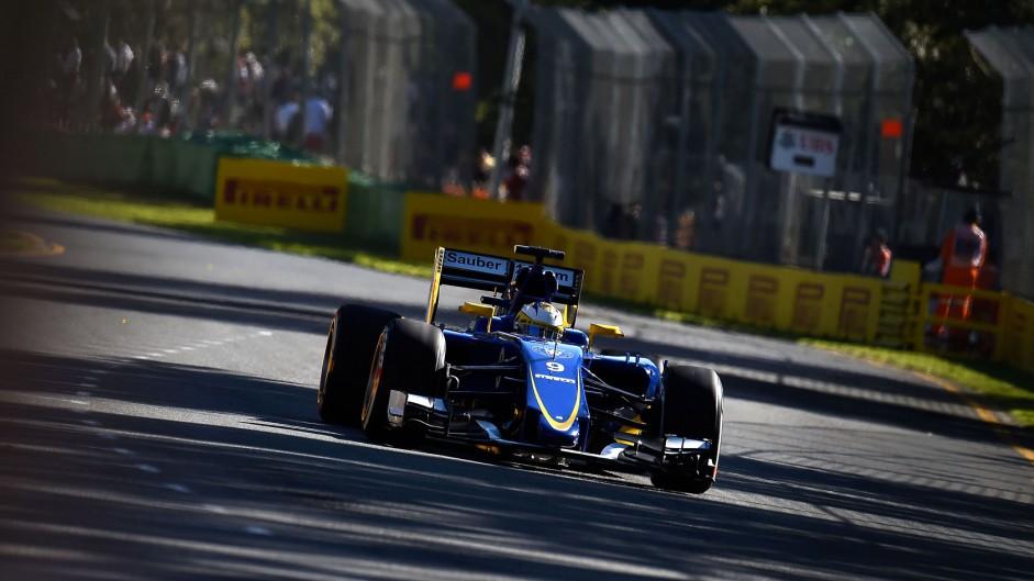 No drive for van der Garde but Sauber talks continue