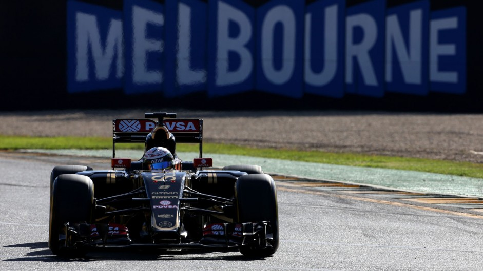 Melbourne extends F1 race deal to 2023