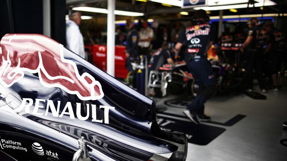 Mateschitz demands engine parity for Red Bull