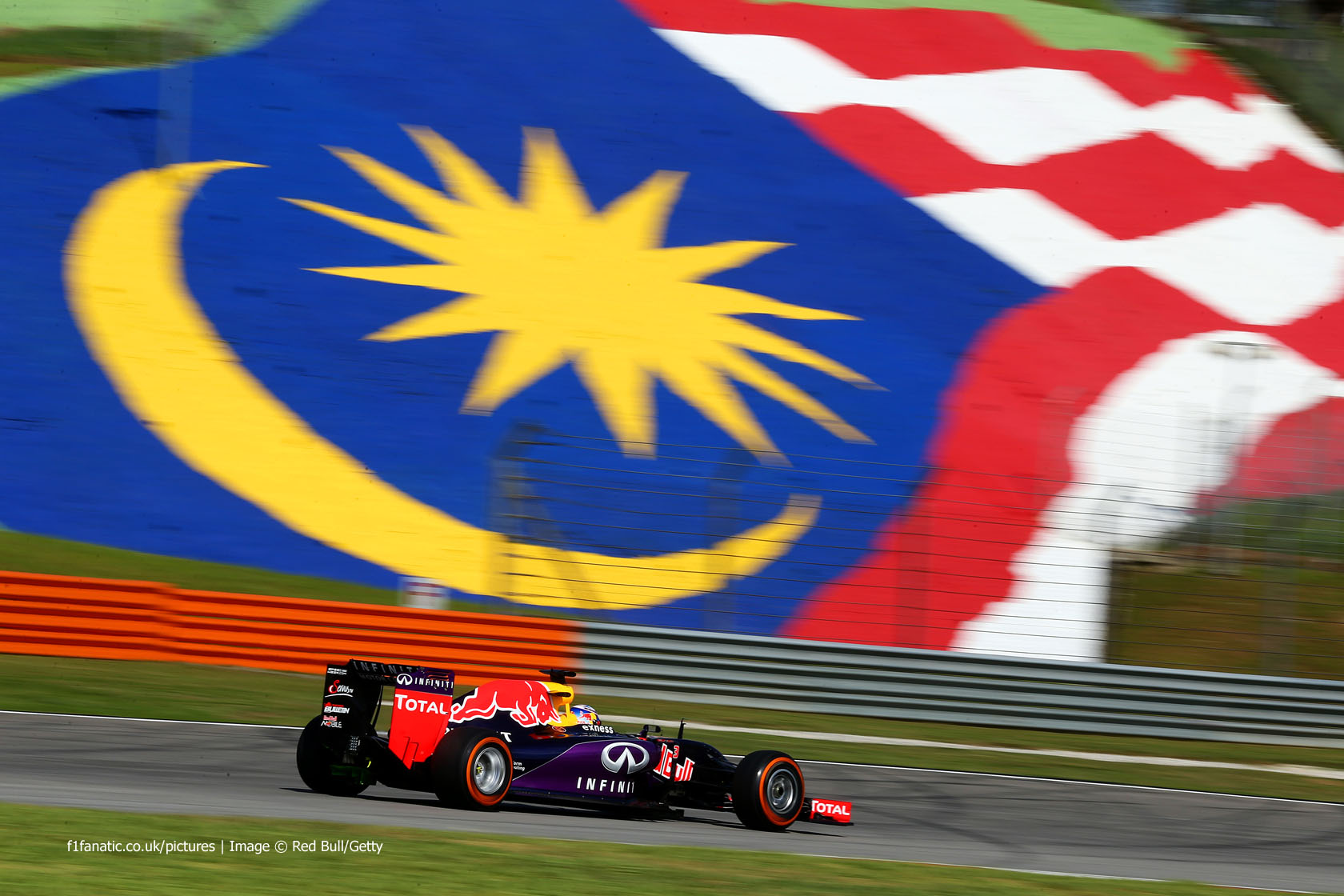 Daniel Ricciardo, Red Bull, Sepang International Circuit, 2015