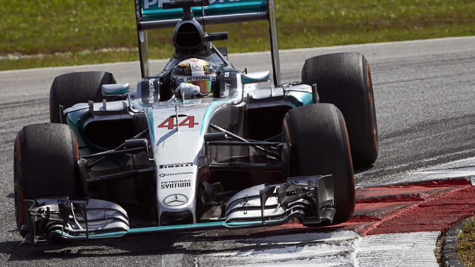 Mercedes' race problems began in qualifying