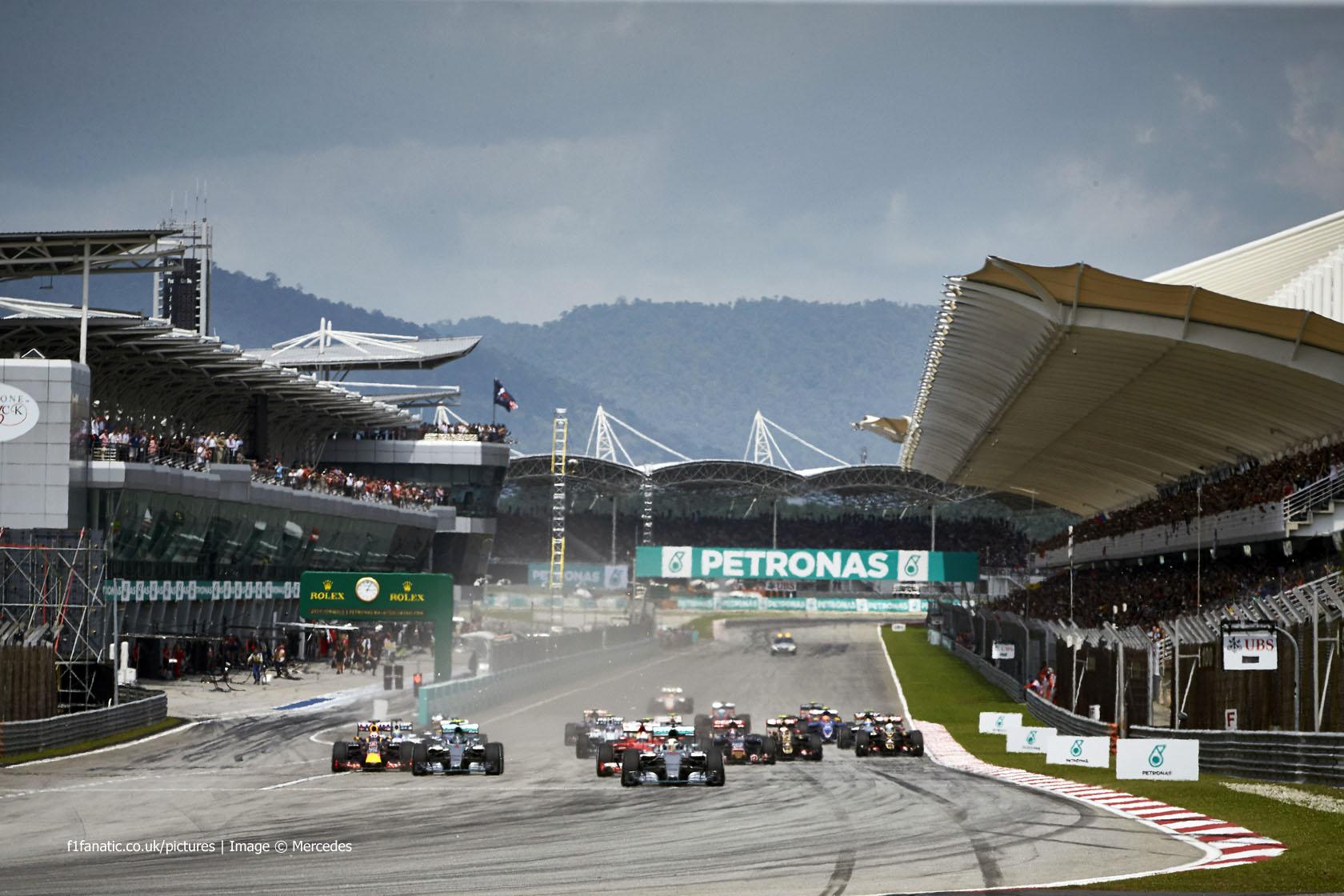 Start Sepang International Circuit 2015 183 Racefans