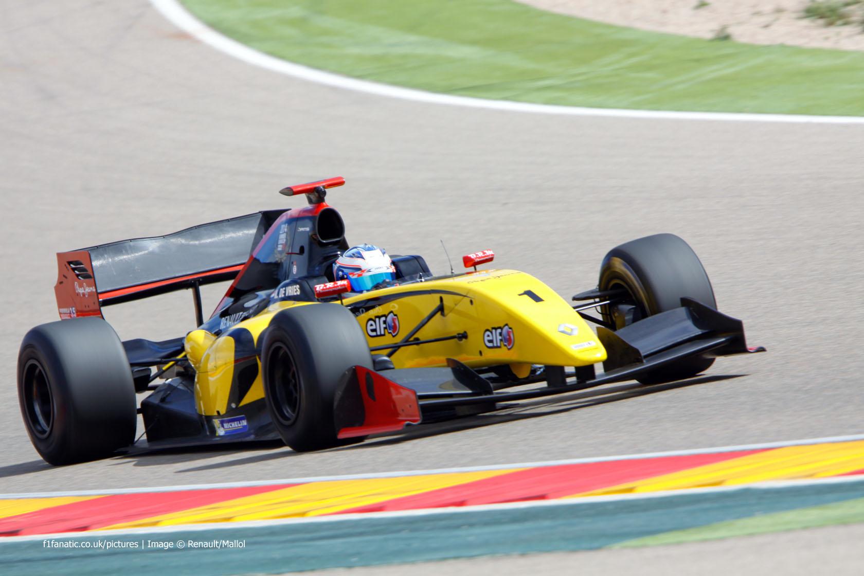 Nyck de Vries DAMS Motorland Aragon Formula Renault 3.5 testing 2015