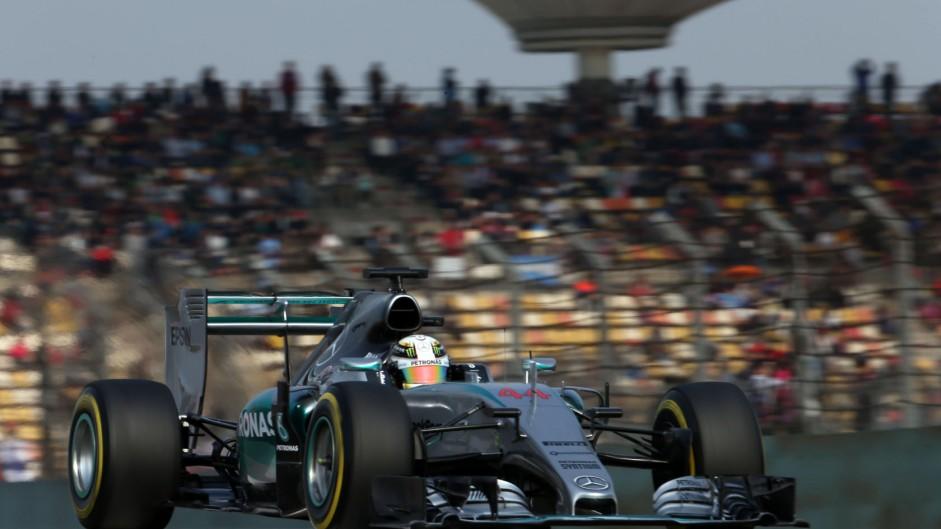 """Very quick"" Ferrari keeping pressure on Mercedes"