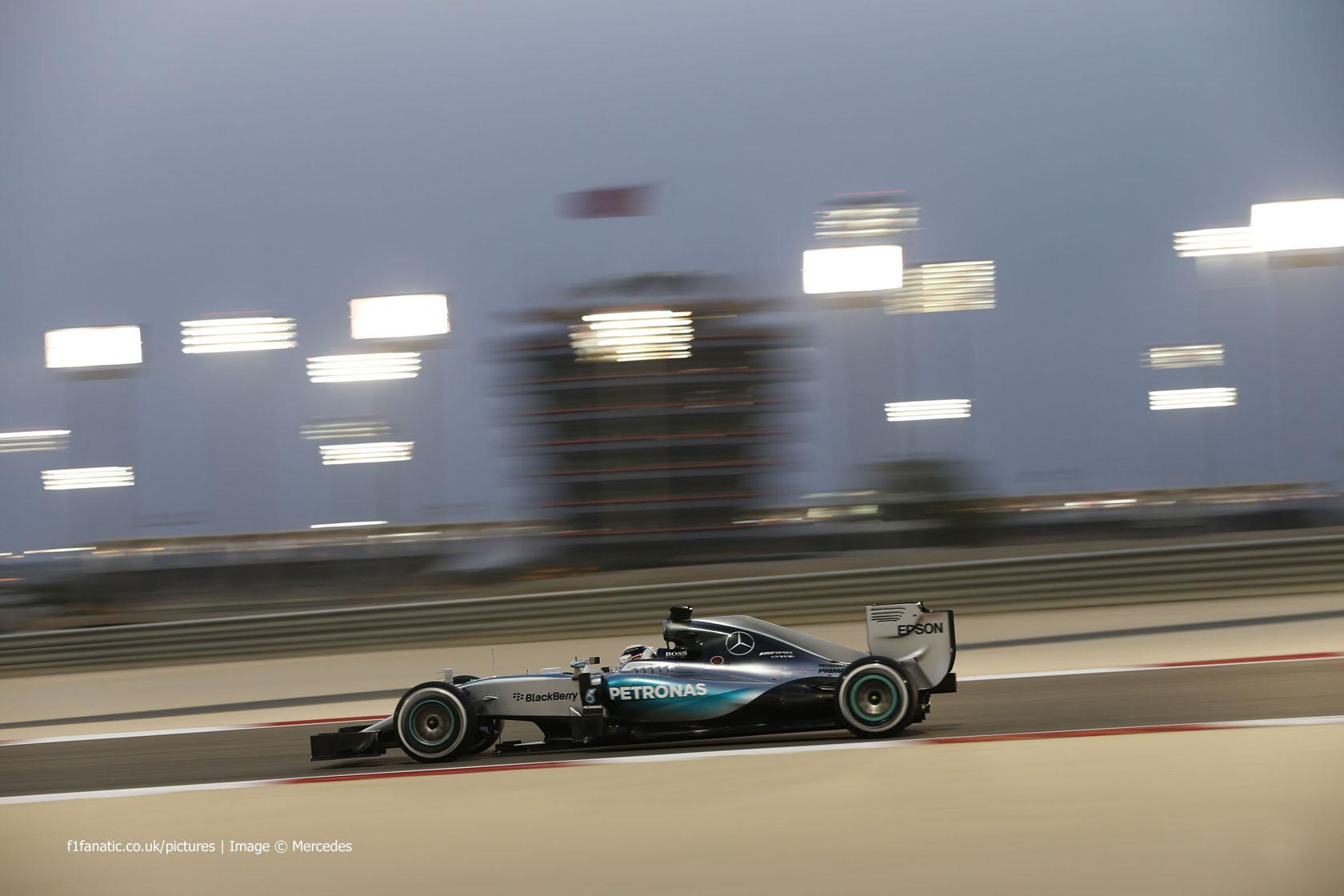 Hamilton wins, Raikkonen snatches second in Bahrain · RaceFans
