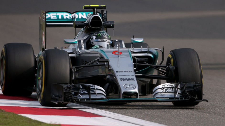 "Hamilton's pace frustrates ""compromised"" Rosberg"