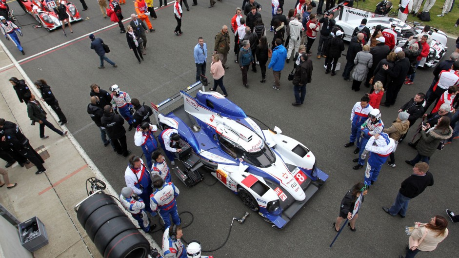 Why F1 should adopt the WEC's ban on grid girls