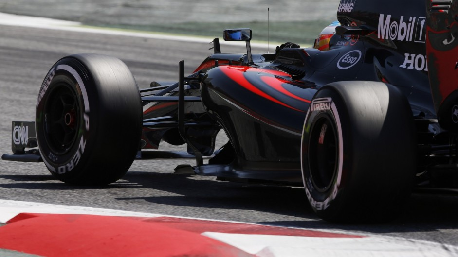 """Scary"" race for Button and Alonso at McLaren"