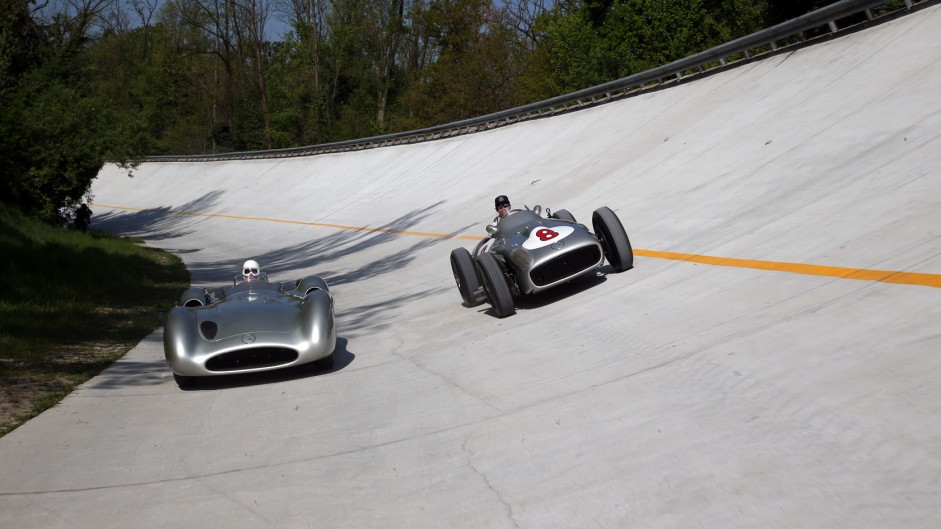 Hamilton and Moss take to the Monza banking