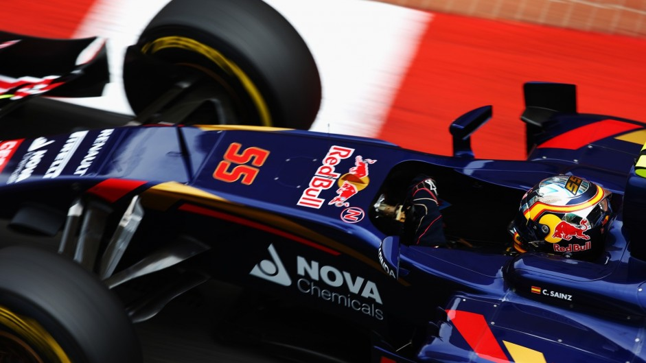 Sainz salvages a point from the pits