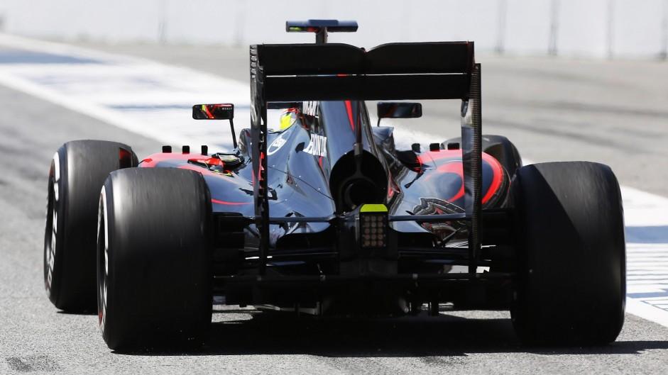 Oliver Turvey, McLaren, Circuit de Catalunya testing, 2015