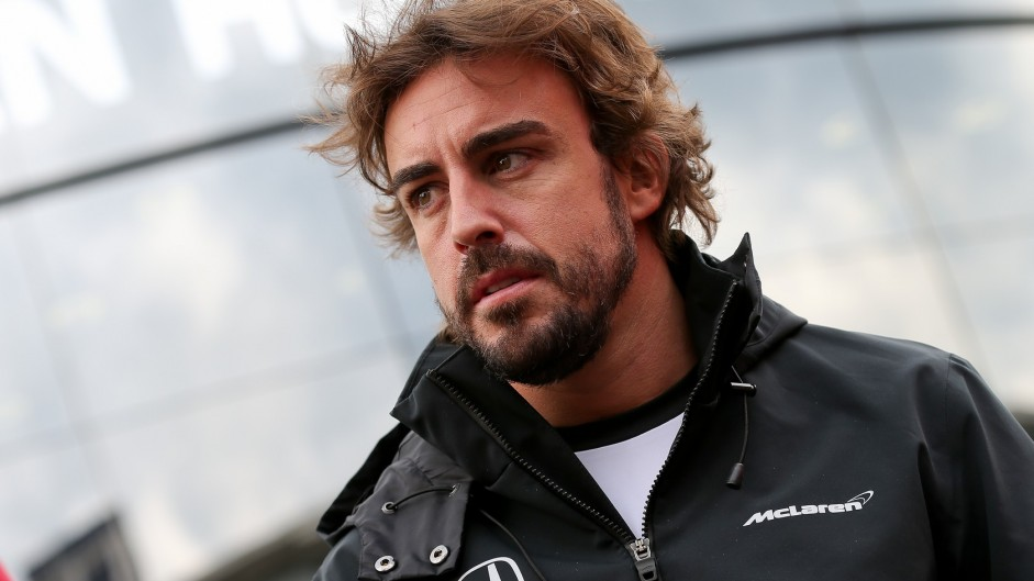 Alonso says he should have left Ferrari earlier
