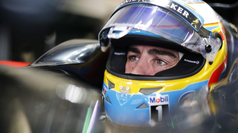 Crash caused by Raikkonen losing control – Alonso