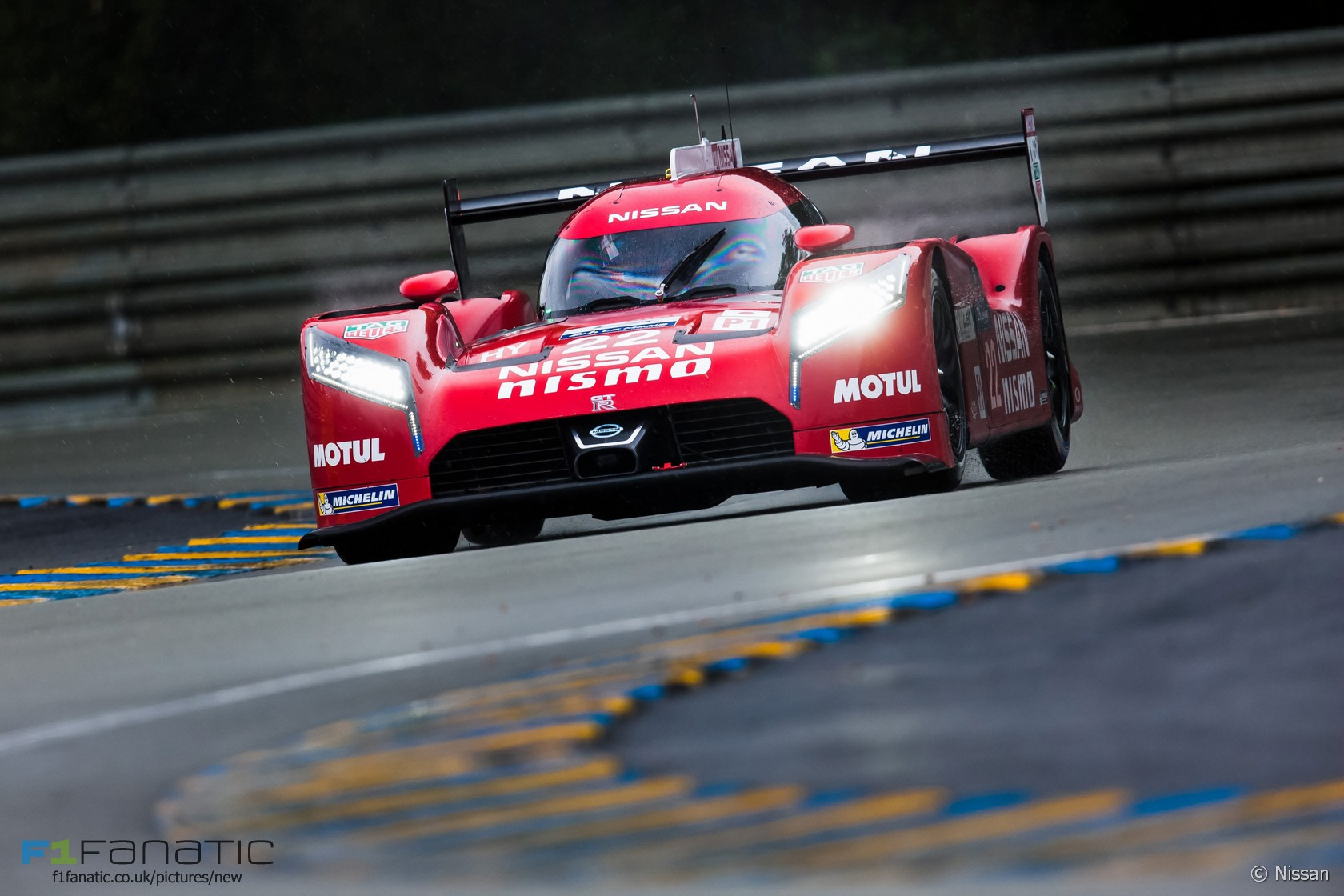 nissan gt r lm nismo 22 harry tincknell michael krumm alex buncombe le mans 2015 racefans. Black Bedroom Furniture Sets. Home Design Ideas