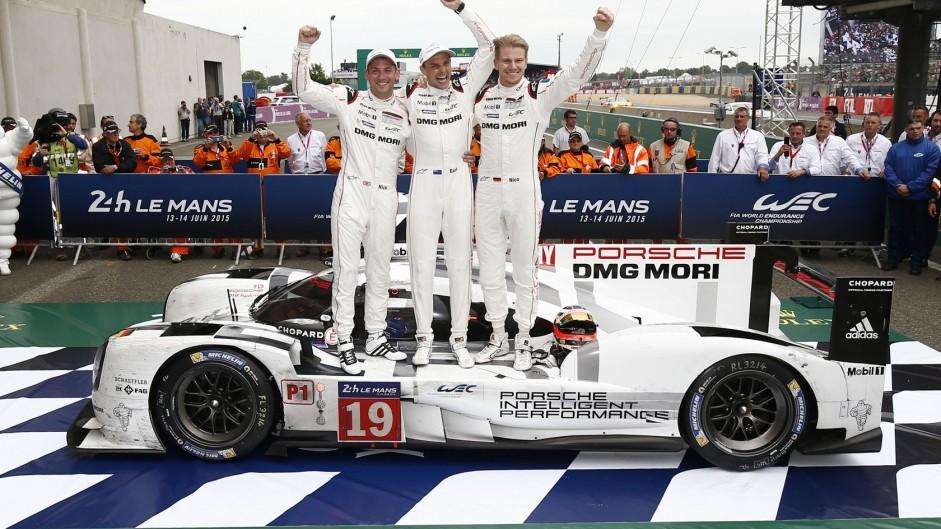 Hulkenberg wins on Le Mans debut
