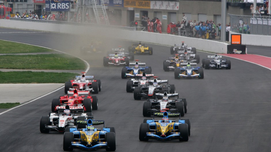 Raikkonen takes vital win as Renault falter