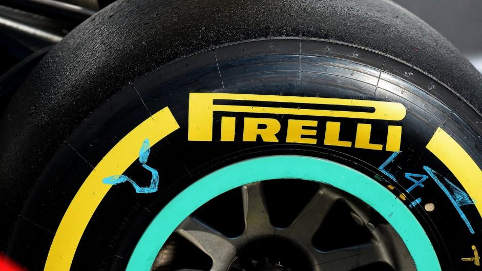 Pirelli secures 2017-19 tyre deal