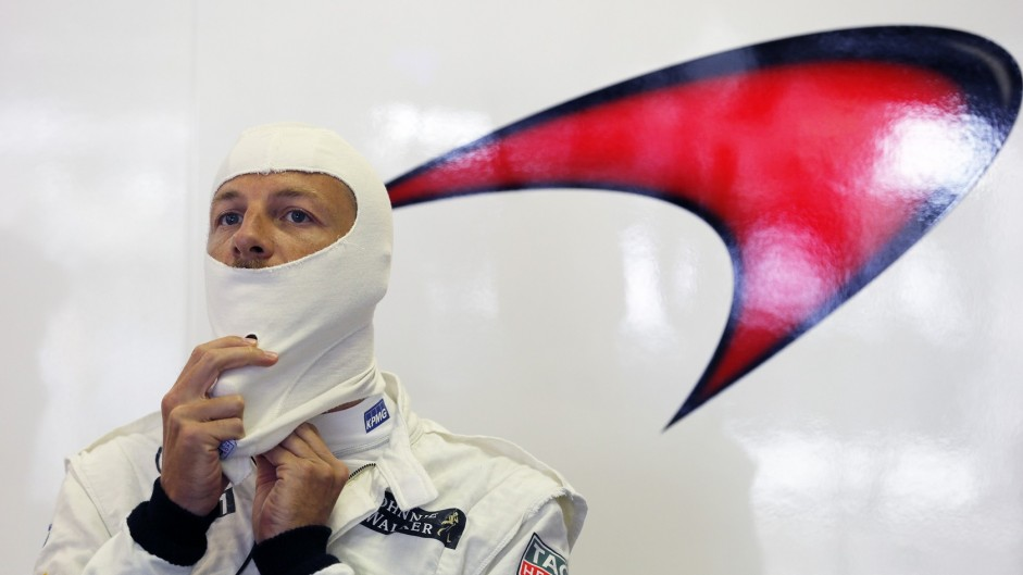 McLaren wants to convince Button to stay
