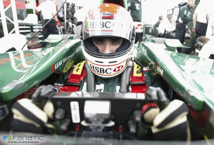 Justin Wilson, Jaguar, Silverstone, 2003