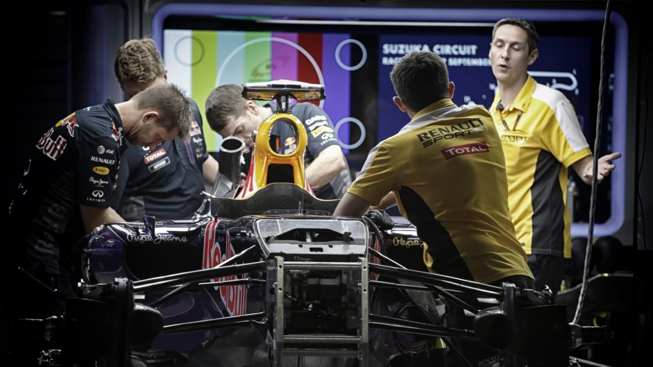Red Bull turns back to reluctant Renault as Ferrari decline engine deal
