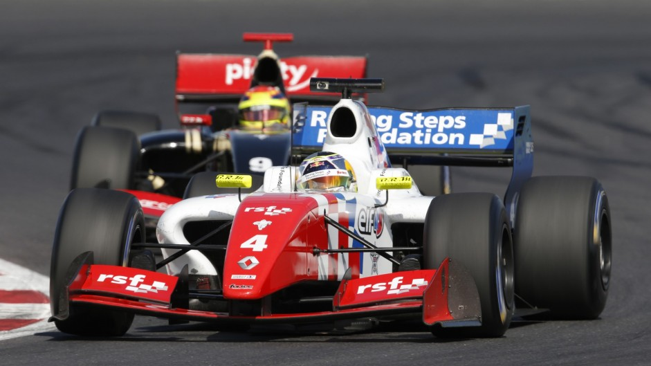 FR3.5 title contenders fight hard at Silverstone