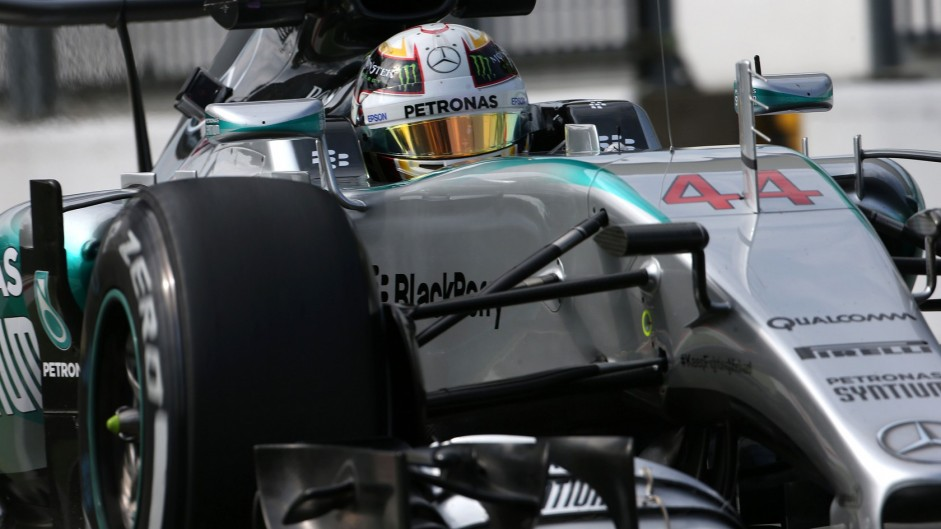 Pole for Hamilton in Monza as Ferrari split Mercedes