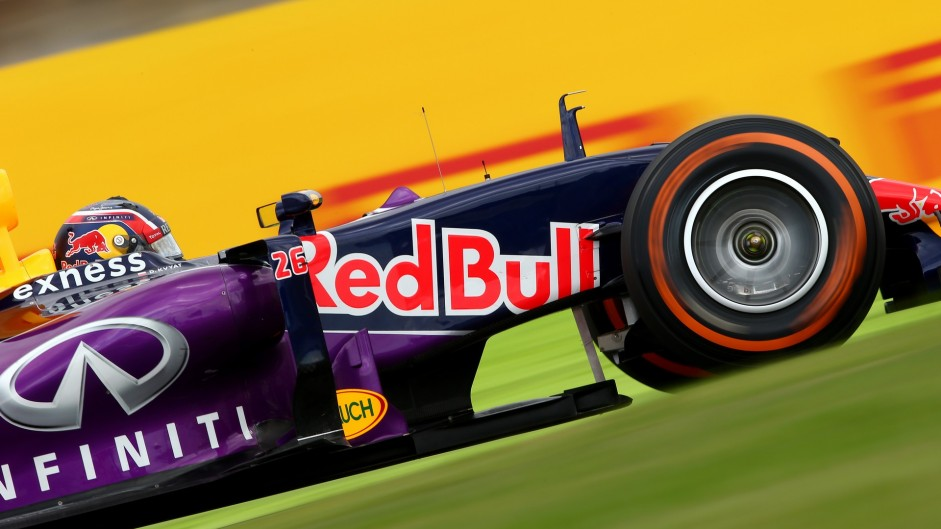 """Hamilton bemused by Red Bull's """"odd"""" threats to leave"""