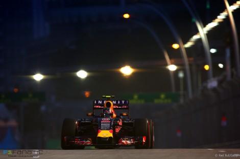 Daniil Kvyat, Red Bull, Singapore, 2015