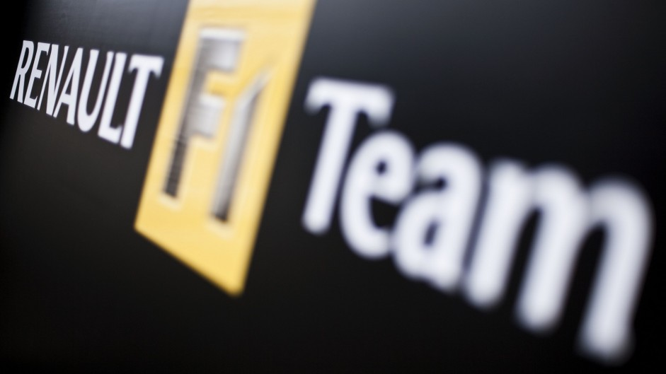 Renault 'will leave F1 or run our own team' – Ghosn