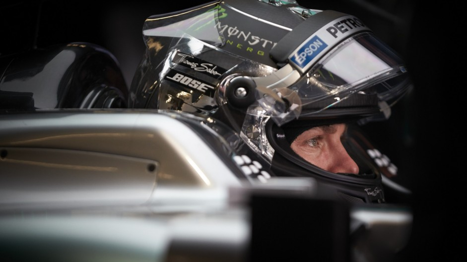 Rosberg leads Hamilton in busy final session