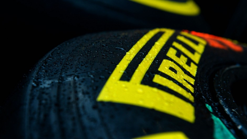 Pirelli announces final 2015 tyre nominations