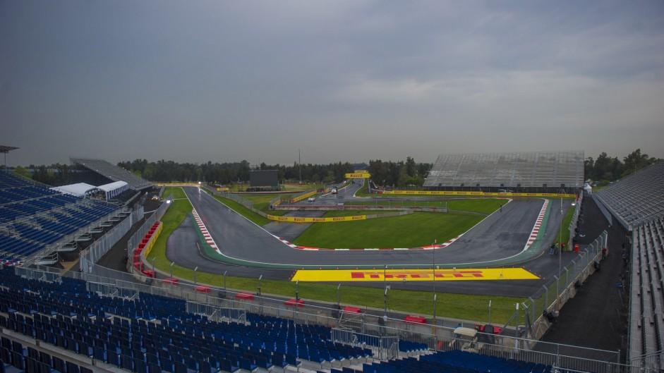 Turn six, Autodromo Hermanos Rodriguez, 2015