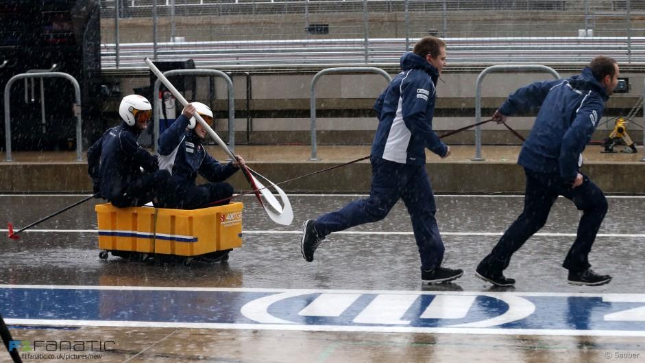 Raikkonen and Arrivabene criticise rivals for rain delay antics