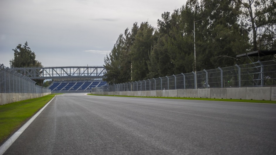 Turn 1, Autodromo Hermanos Rodriguez, 2015
