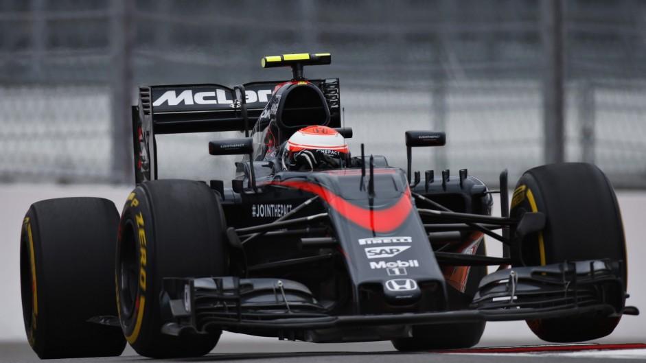 Jenson Button, McLaren, Sochi Autodrom, 2015