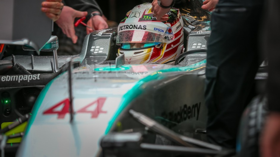 Hamilton sees no need to help Rosberg to second in championship