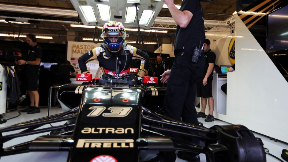 Lotus miss scrutineering in Abu Dhabi