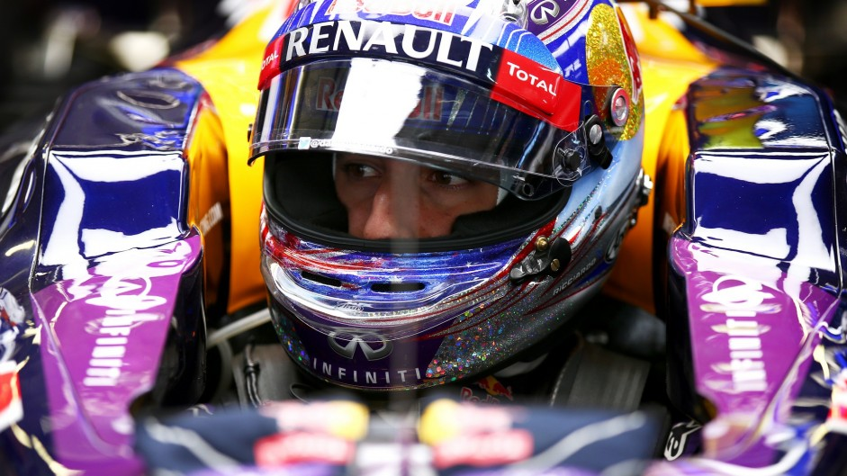 "Renault upgrade ""probably not worth taking"" – Ricciardo"