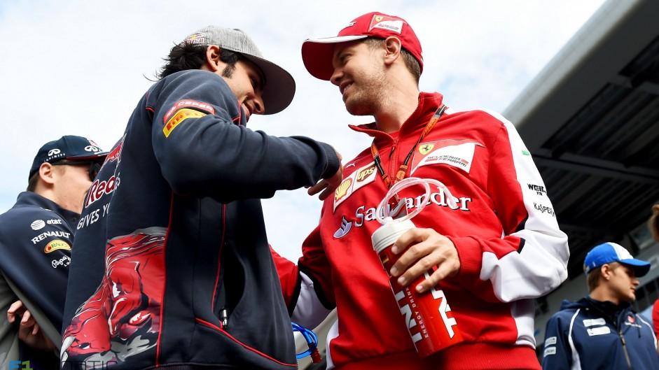 Carlos Sainz Jnr, Sebastian Vettel, Sochi Autodrom, 2015