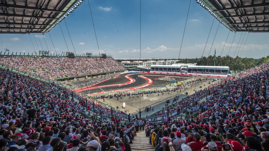 FIA gives green light to 21-race 2016 calendar with one change