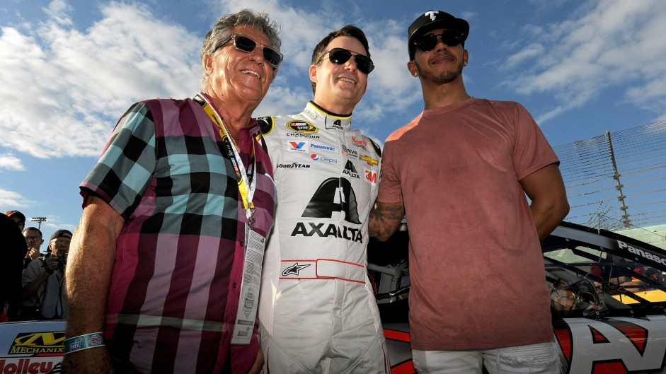 Hamilton turns up to see NASCAR title decided