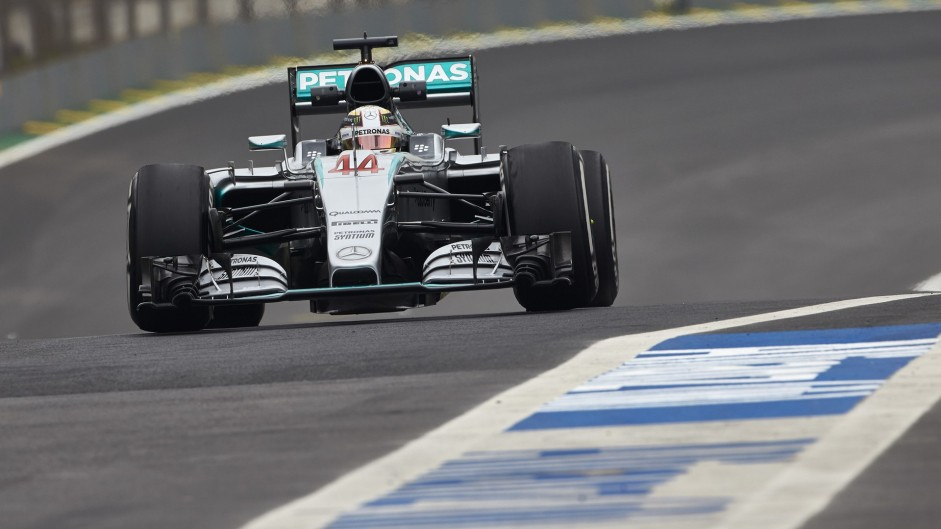 "Hamilton ""very unlikely"" to pass Rosberg on-track"
