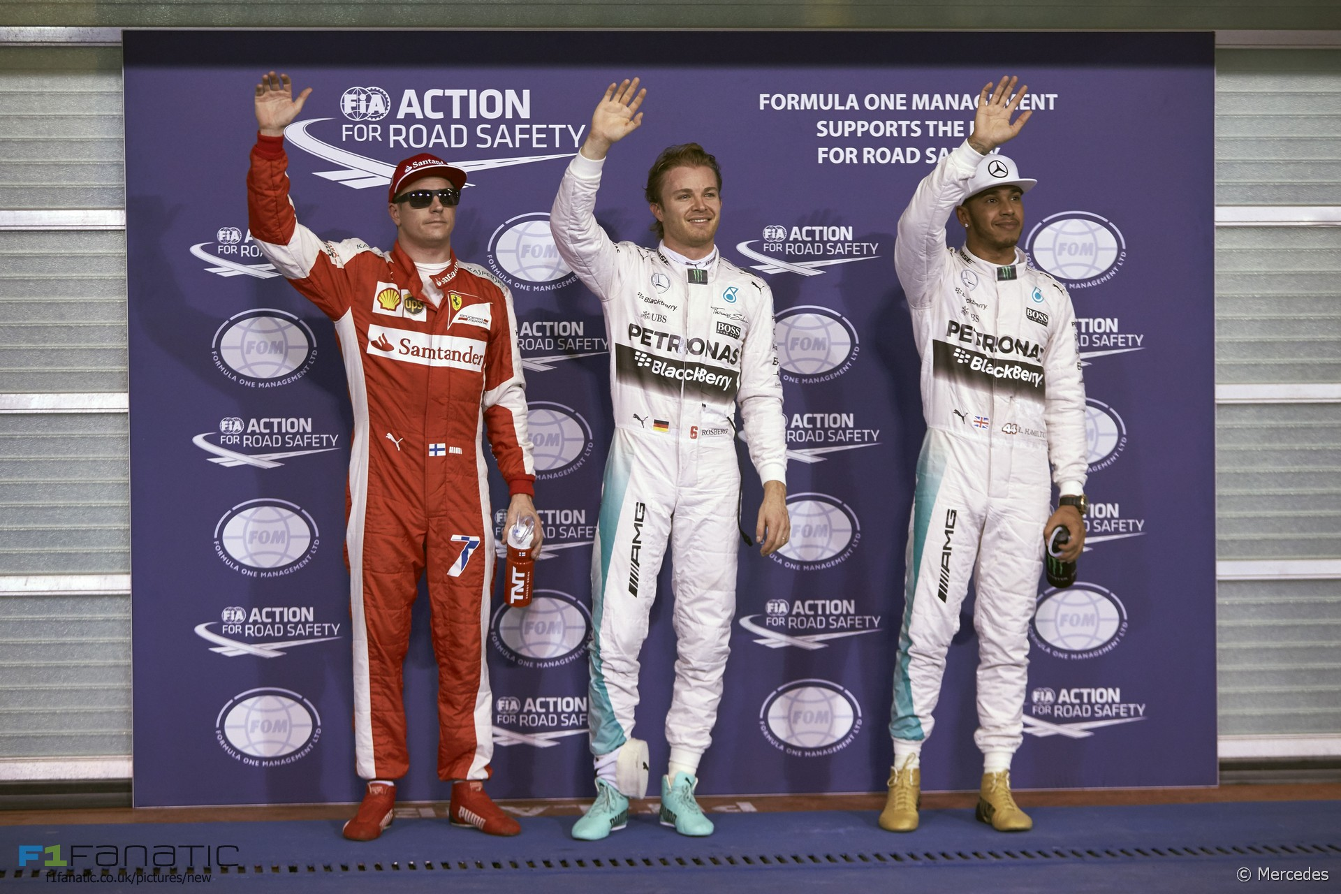 Kimi Raikkonen, Nico Rosberg, Lewis Hamilton, Yas Marina, 2015