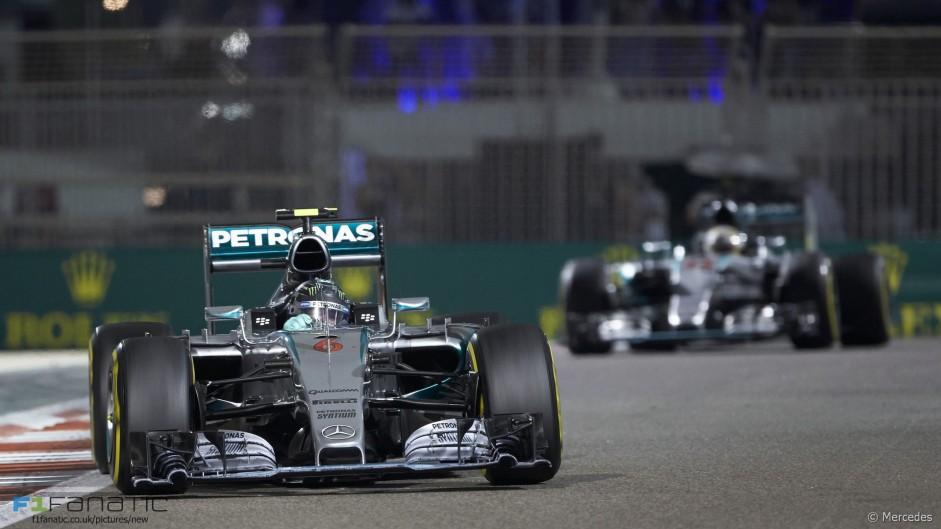 Rosberg denies Hamilton a winning end to his championship year