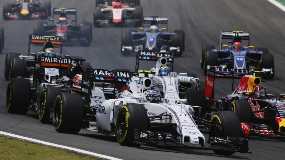 F1 urged to delay 2017 changes by a year