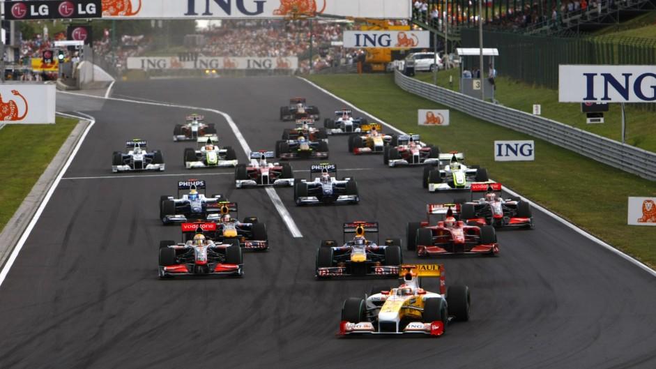 Hamilton takes McLaren back to winning ways